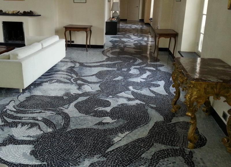 renovatie van een terrazzo vloer in moza ek emotions pierres. Black Bedroom Furniture Sets. Home Design Ideas