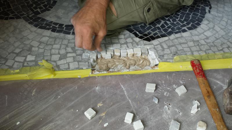 R novation d 39 un terrazzo en mosa que emotions pierres for Carrelage etincelant