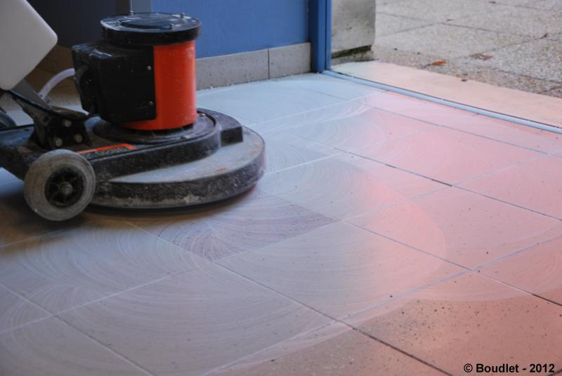 Renovation treatment and maintenance of ceramic tiles for Decapage carrelage
