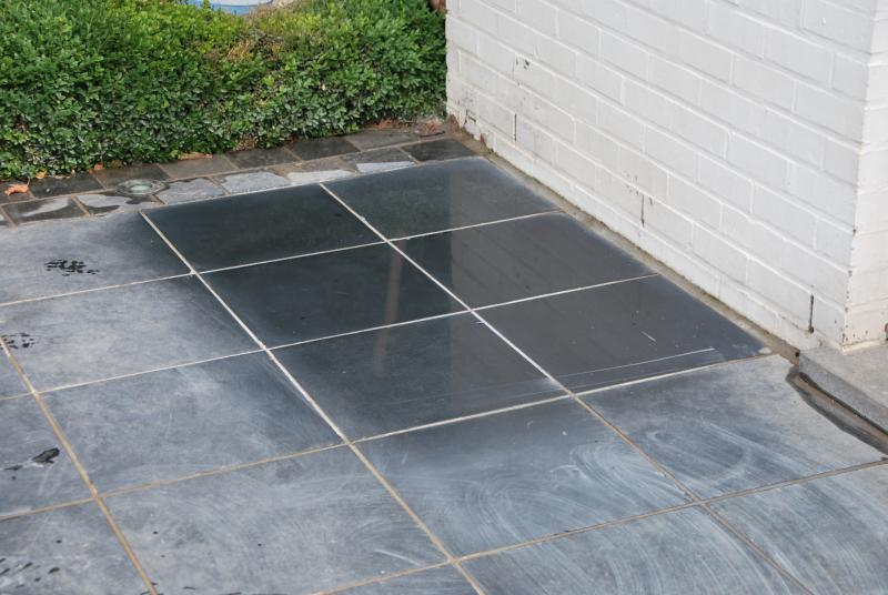 Renovation treatment and maintenance of bluestone for Produit pour nettoyer la pierre